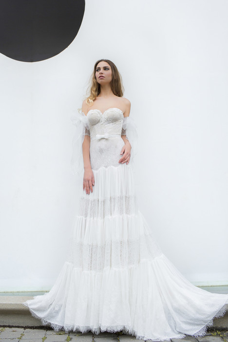 Anna gown from the 2018 Yaniv Persy Bridal Couture collection, as seen on Bride.Canada