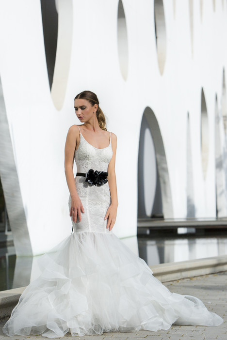 Mariposa gown from the 2018 Persy Bridal collection, as seen on Bride.Canada