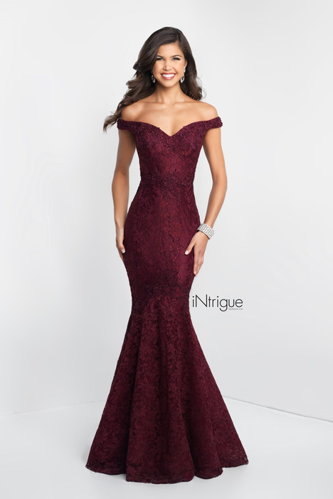 425 gown from the 2018 iNtrigue by Blush Prom collection, as seen on Bride.Canada