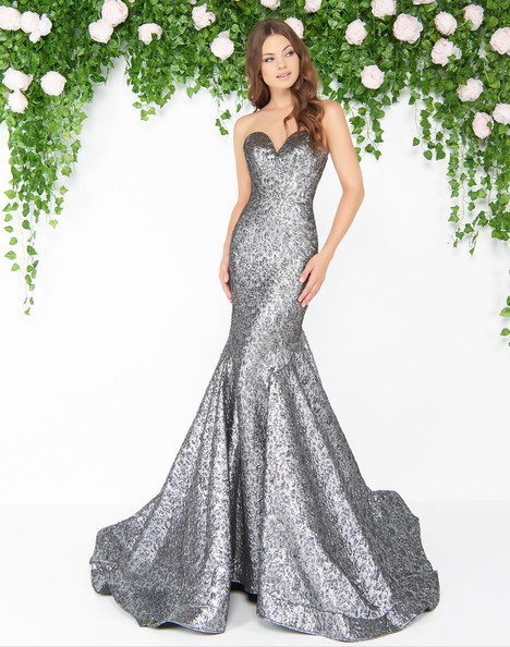 66025D (Mercury) gown from the 2018 Mac Duggal : Couture collection, as seen on Bride.Canada