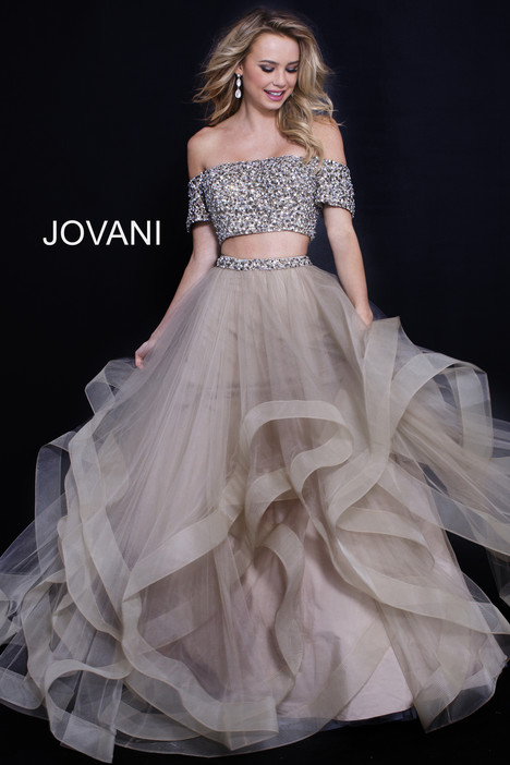 59755 gown from the 2018 Jovani collection, as seen on Bride.Canada