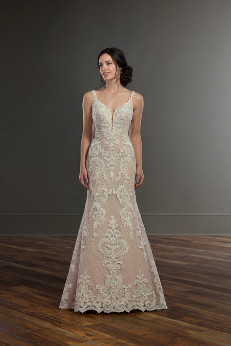 931 gown from the 2018 Martina Liana collection, as seen on Bride.Canada