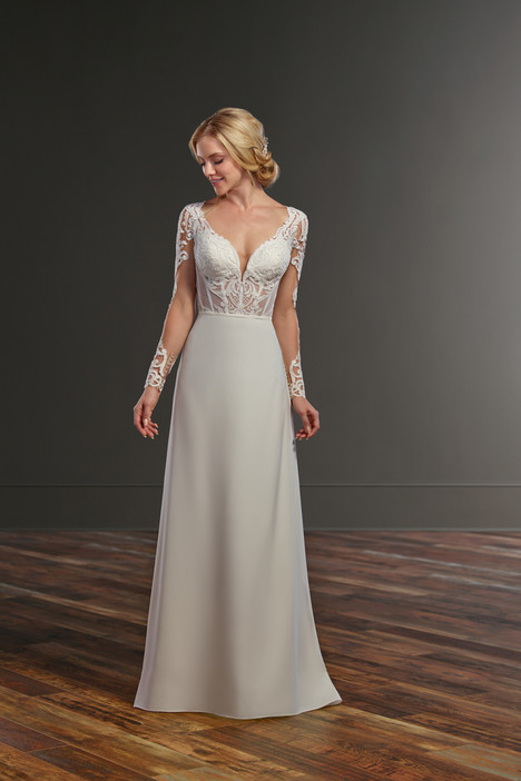 Cooper + Somer gown from the 2018 Martina Liana collection, as seen on Bride.Canada