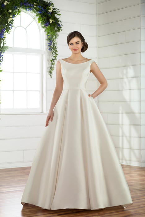 gown from the 2018 Essense of Australia collection, as seen on Bride.Canada