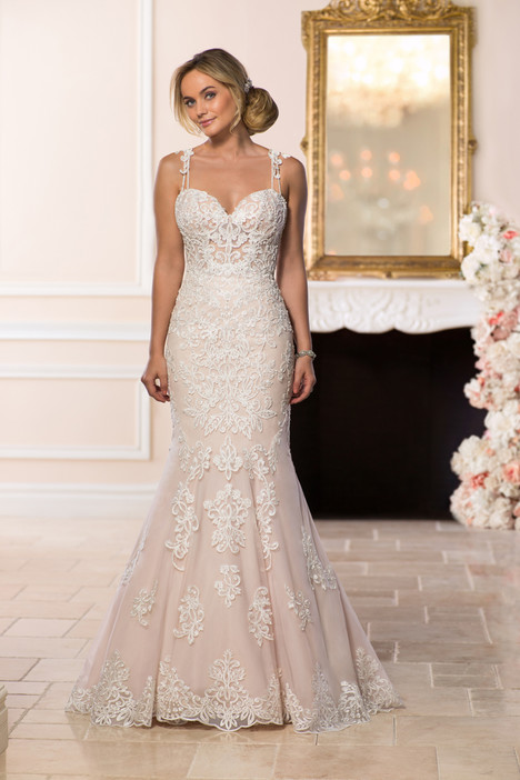 6590 gown from the 2018 Stella York collection, as seen on Bride.Canada