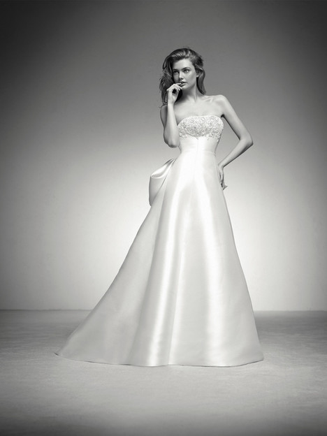 Ingrid gown from the 2018 Pronovias Privée collection, as seen on Bride.Canada