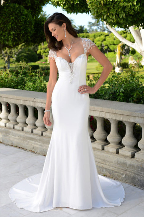 PA9297N gown from the 2018 Venus Bridal: Pallas Athena collection, as seen on Bride.Canada