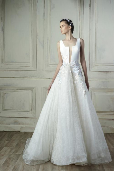 5201 gown from the 2018 Gemy Maalouf collection, as seen on Bride.Canada