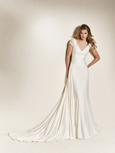 Chadia gown from the 2018 Pronovias One collection, as seen on Bride.Canada
