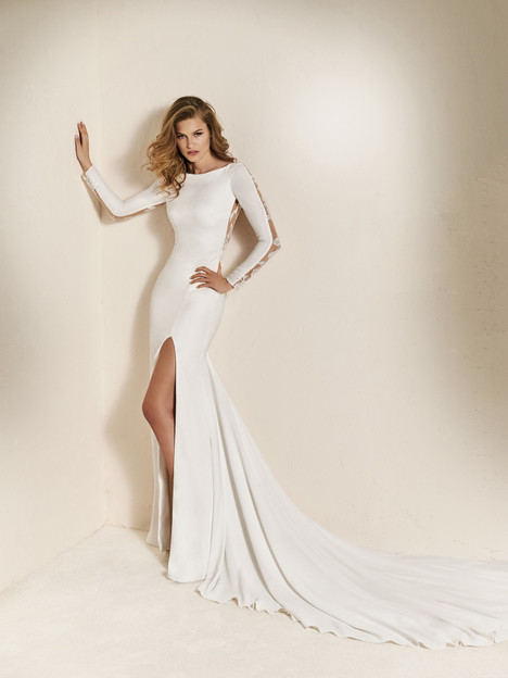 Chaima gown from the 2018 Pronovias One collection, as seen on Bride.Canada