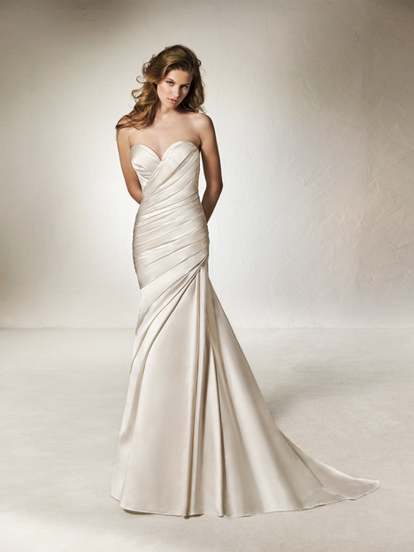 Chantal gown from the 2018 Pronovias One collection, as seen on Bride.Canada