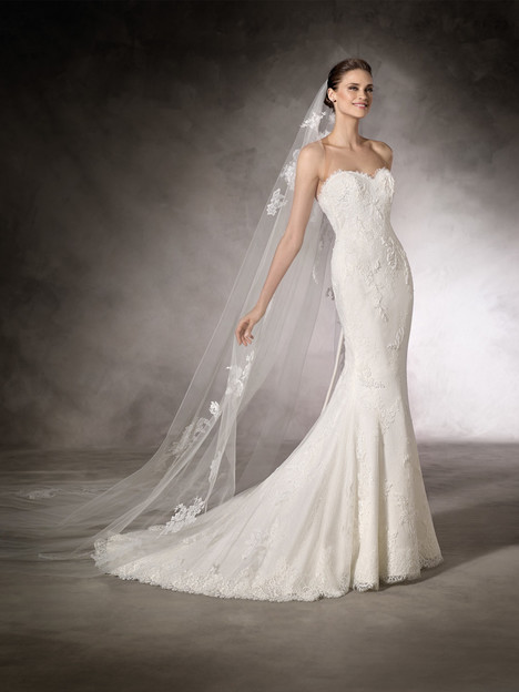 Kiara gown from the 2018 Pronovias One collection, as seen on Bride.Canada