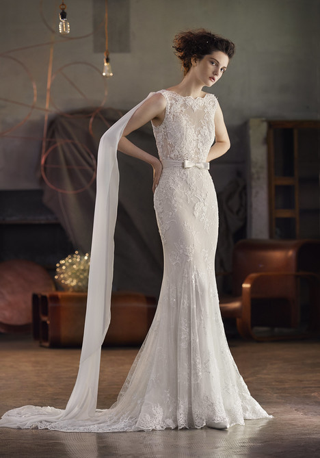 Parkano gown from the 2018 Lusan Mandongus collection, as seen on Bride.Canada