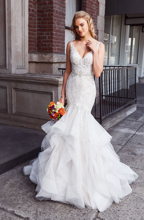 Lacey gown from the 2018 KittyChen collection, as seen on Bride.Canada