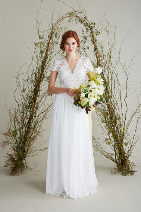 Amelie gown from the 2018 Lea-Ann Belter collection, as seen on Bride.Canada
