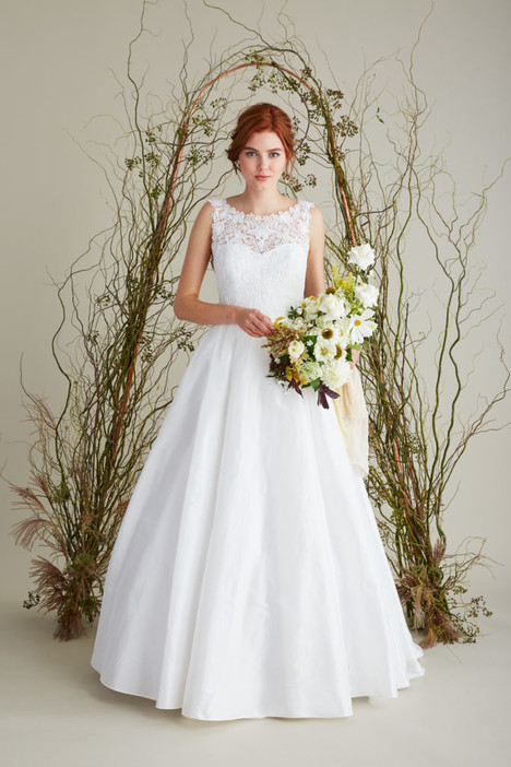 Sabrina gown from the 2018 Lea-Ann Belter collection, as seen on Bride.Canada