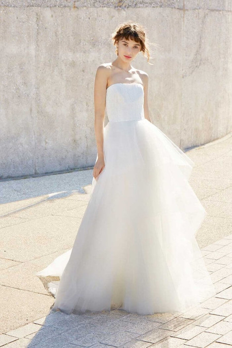 Jemma gown from the 2018 Amsale Nouvelle collection, as seen on Bride.Canada
