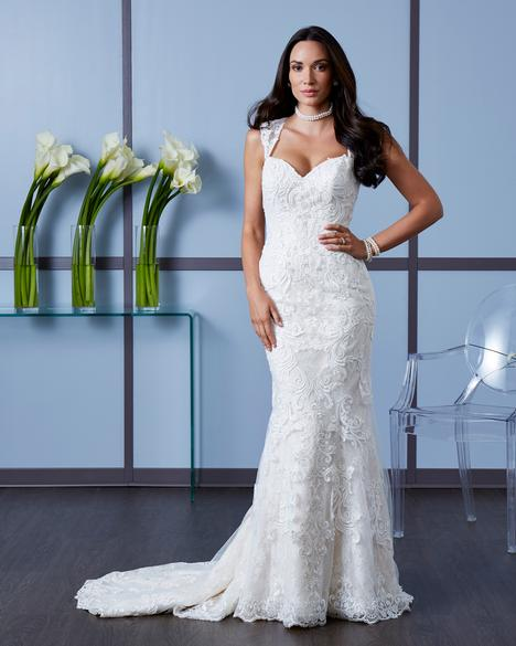 4600 gown from the 2018 Romantic Bridals: Hearts Desire collection, as seen on Bride.Canada