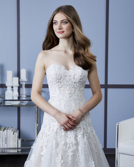 4607 (3) gown from the 2018 Romantic Bridals: Hearts Desire collection, as seen on Bride.Canada