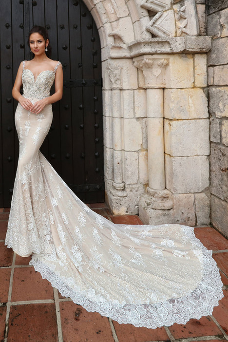 13152 gown from the 2018 Cristiano Lucci collection, as seen on Bride.Canada