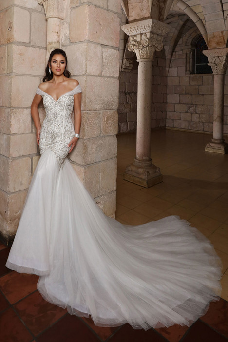 13158 gown from the 2018 Cristiano Lucci collection, as seen on Bride.Canada