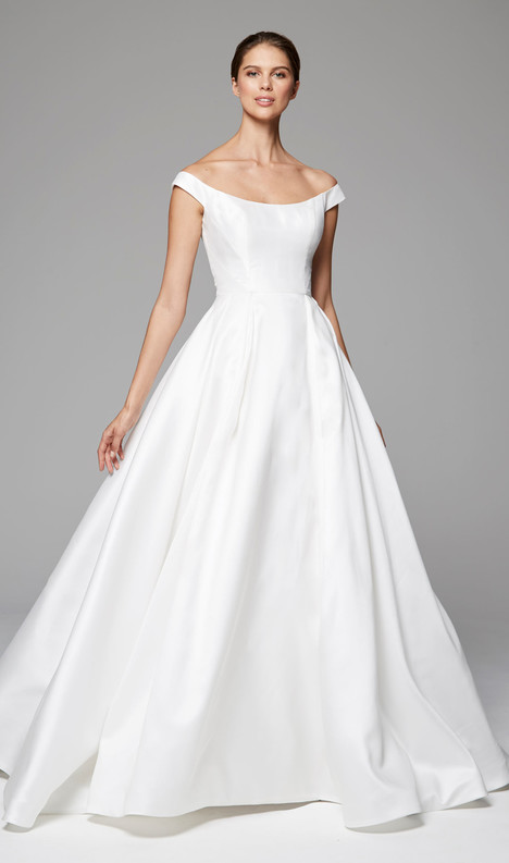 Sloane gown from the 2018 Anne Barge collection, as seen on Bride.Canada