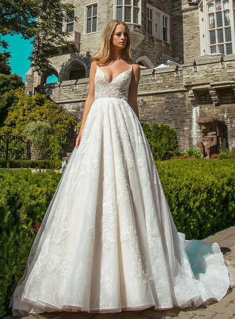 Matilda gown from the 2018 Calla Blanche collection, as seen on Bride.Canada