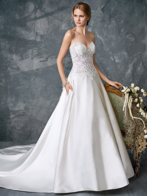 1779 gown from the 2018 Kenneth Winston collection, as seen on Bride.Canada