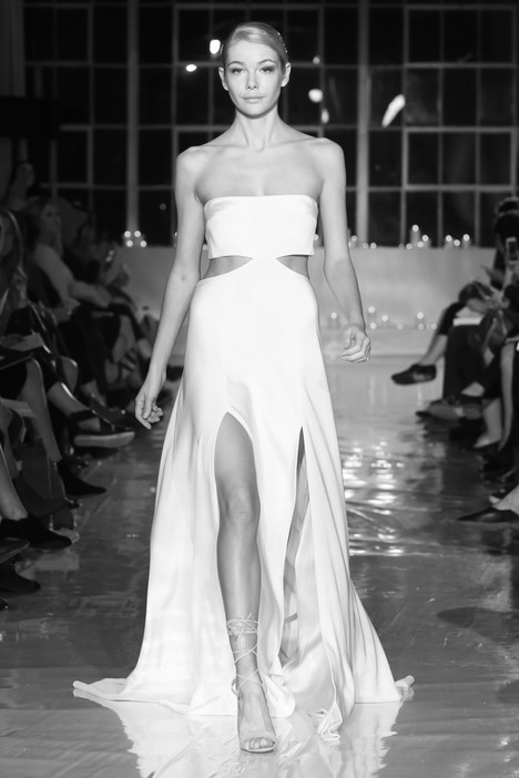 Khan gown from the 2018 Unbridaled by Dan Jones collection, as seen on Bride.Canada