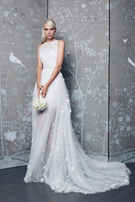 L8151 gown from the 2018 Legends Romona Keveza collection, as seen on Bride.Canada