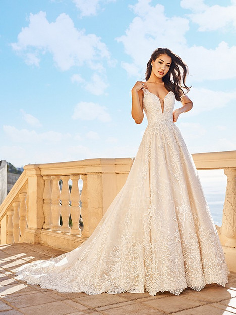 Belle gown from the 2018 Val Stefani collection, as seen on Bride.Canada