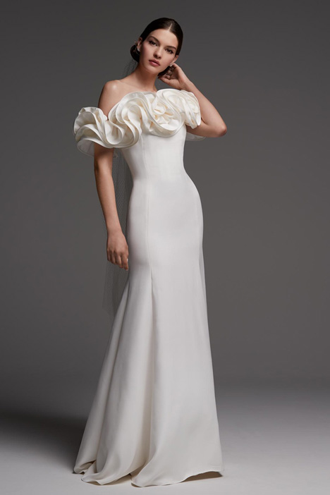 Augustus gown from the 2018 Watters Brides collection, as seen on Bride.Canada