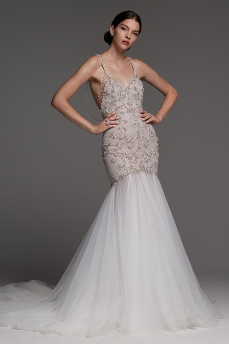 Xenia gown from the 2018 Watters Brides collection, as seen on Bride.Canada