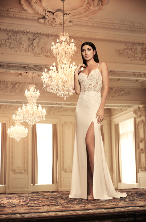 4800 gown from the 2018 Paloma Blanca collection, as seen on Bride.Canada