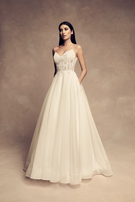 gown from the 2018 Paloma Blanca collection, as seen on Bride.Canada