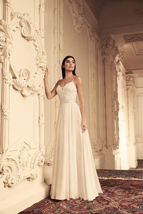 4814 gown from the 2018 Paloma Blanca collection, as seen on Bride.Canada