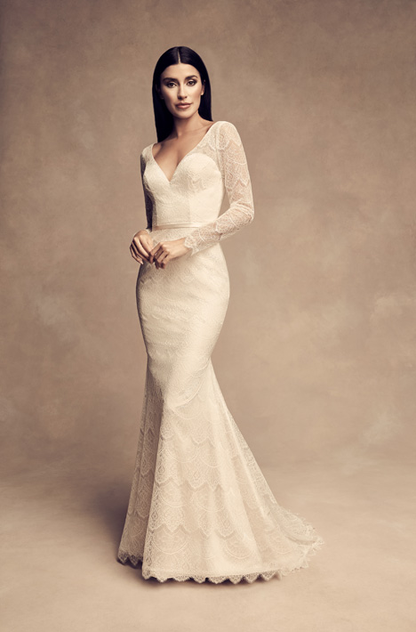 4817 gown from the 2018 Paloma Blanca collection, as seen on Bride.Canada