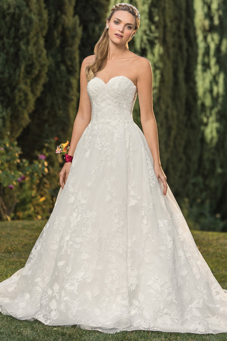 Madeline gown from the 2018 Casablanca Bridal collection, as seen on Bride.Canada