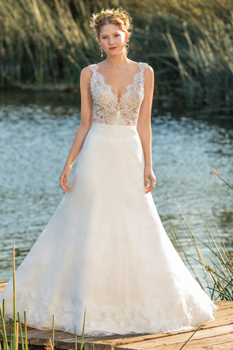 Norah gown from the 2018 Beloved By Casablanca collection, as seen on Bride.Canada