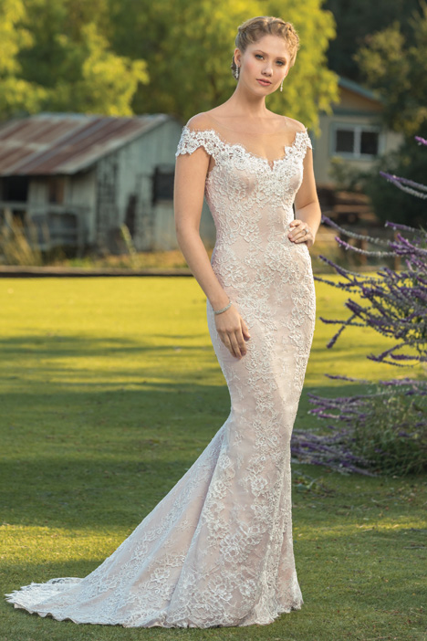 Cleo gown from the 2018 Beloved By Casablanca collection, as seen on Bride.Canada