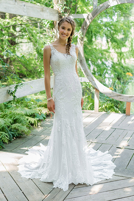66004 gown from the 2018 Lillian West collection, as seen on Bride.Canada