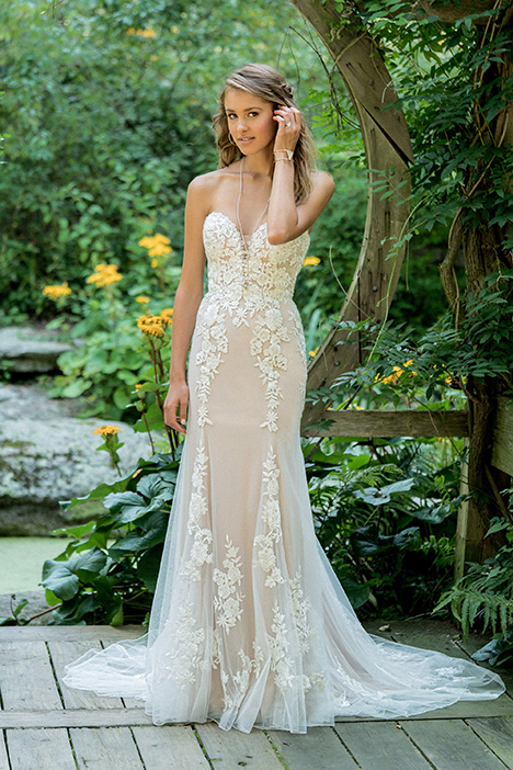 66009 gown from the 2018 Lillian West collection, as seen on Bride.Canada