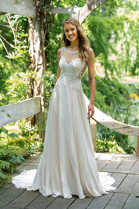 66022 gown from the 2018 Lillian West collection, as seen on Bride.Canada