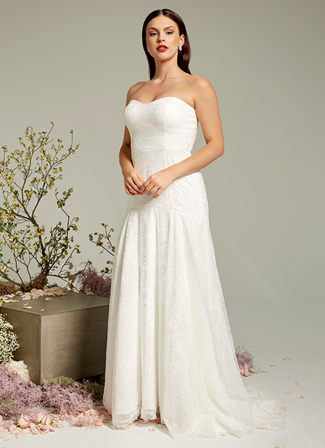 Madeline gown from the 2019 Ivy & Aster collection, as seen on Bride.Canada