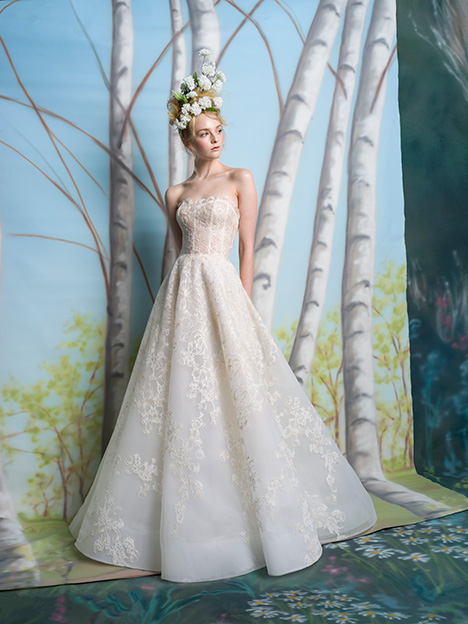 Tobie gown from the 2019 Isabelle Armstrong collection, as seen on Bride.Canada