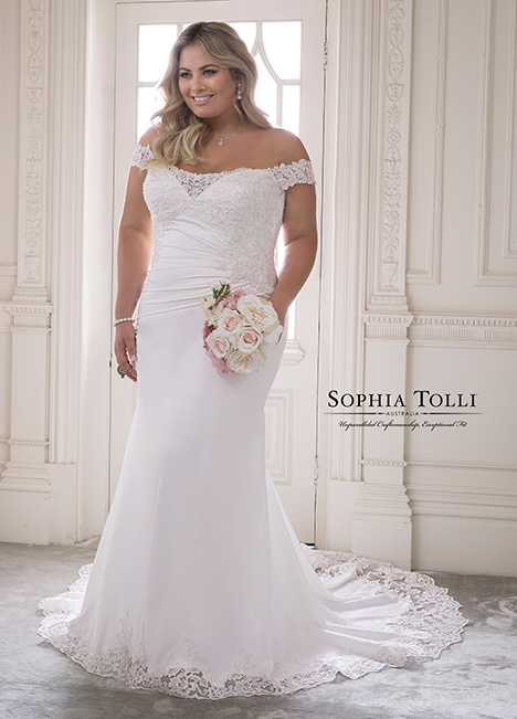 Y21820 (+) gown from the 2018 Sophia Tolli collection, as seen on Bride.Canada