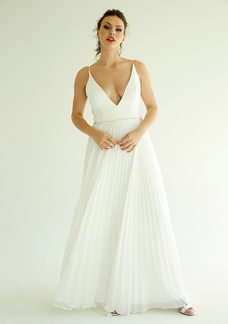 Dakota gown from the 2019 Ivy & Aster IXA collection, as seen on Bride.Canada