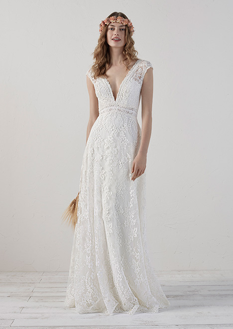 EDERNE gown from the 2019 Pronovias collection, as seen on Bride.Canada