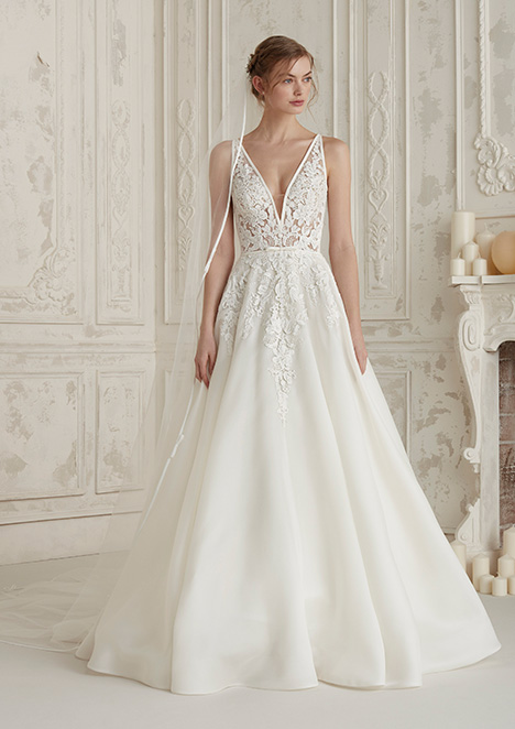 ELIS gown from the 2019 Pronovias collection, as seen on Bride.Canada