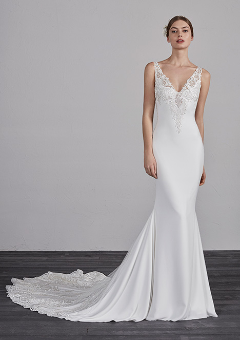 ENDIKA gown from the 2019 Pronovias collection, as seen on Bride.Canada